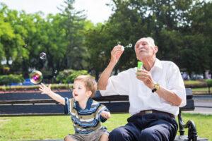 5 clés pour des grands-parents babysitteurs au top